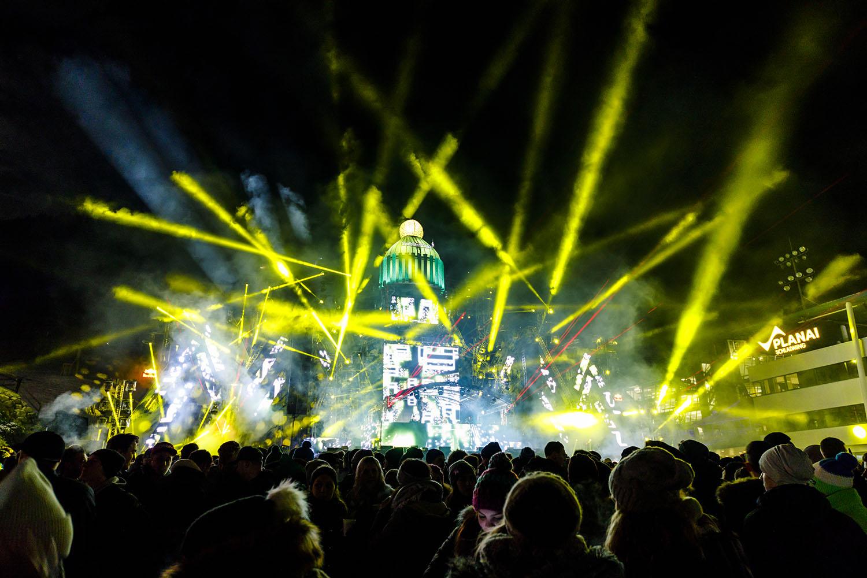 Skiopeningin Schladming mit Lichtshow vor Publikum