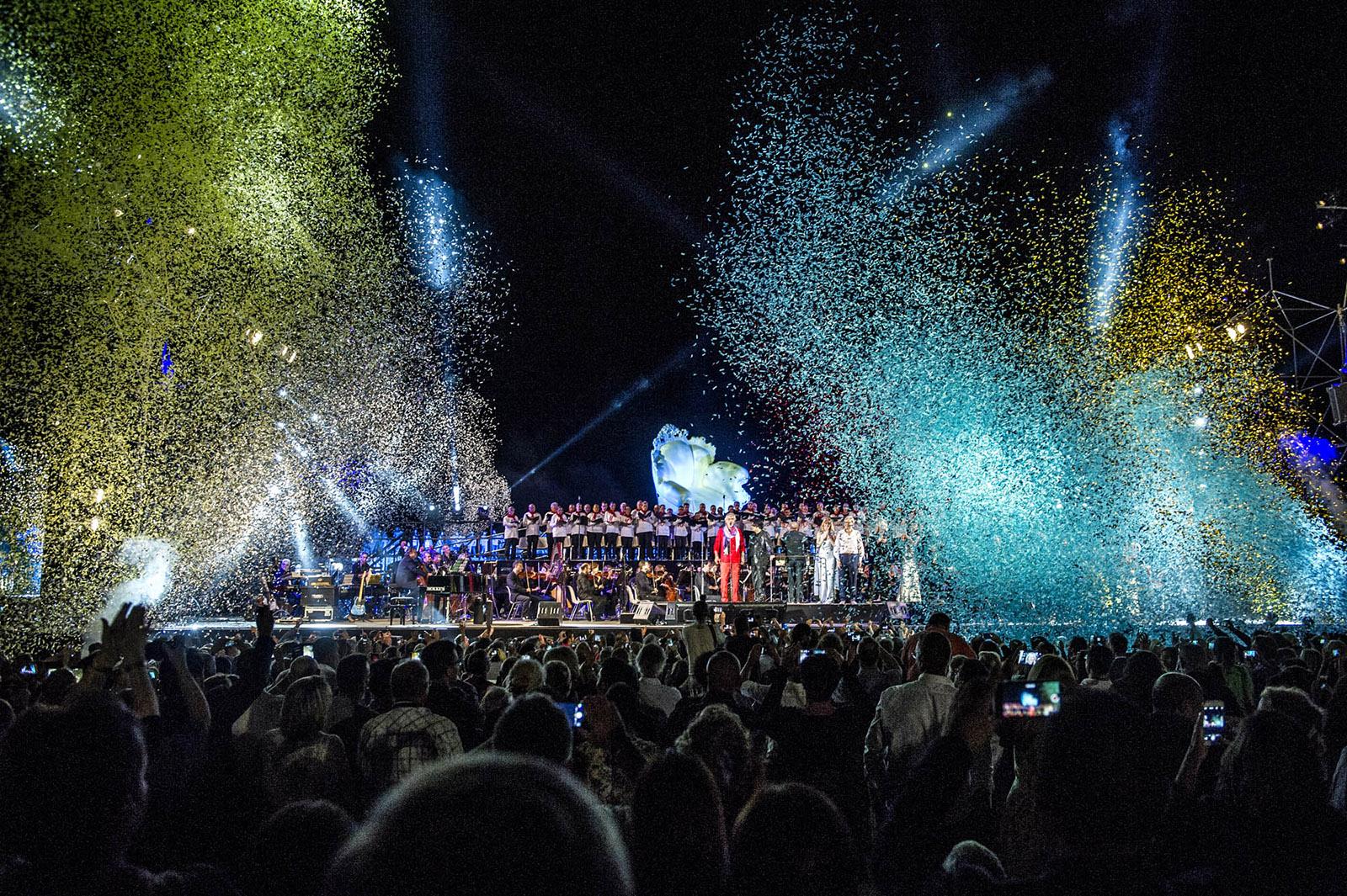 Andrea Bocelli im Teatro-del-Silenzio 2015 mit fulminanter Bühnenshow