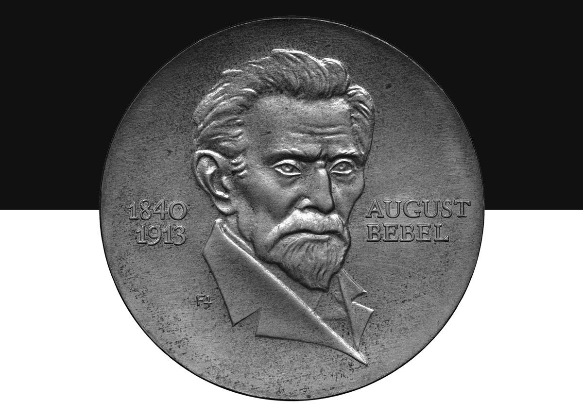 Münze mit Konterfei von August Bebel