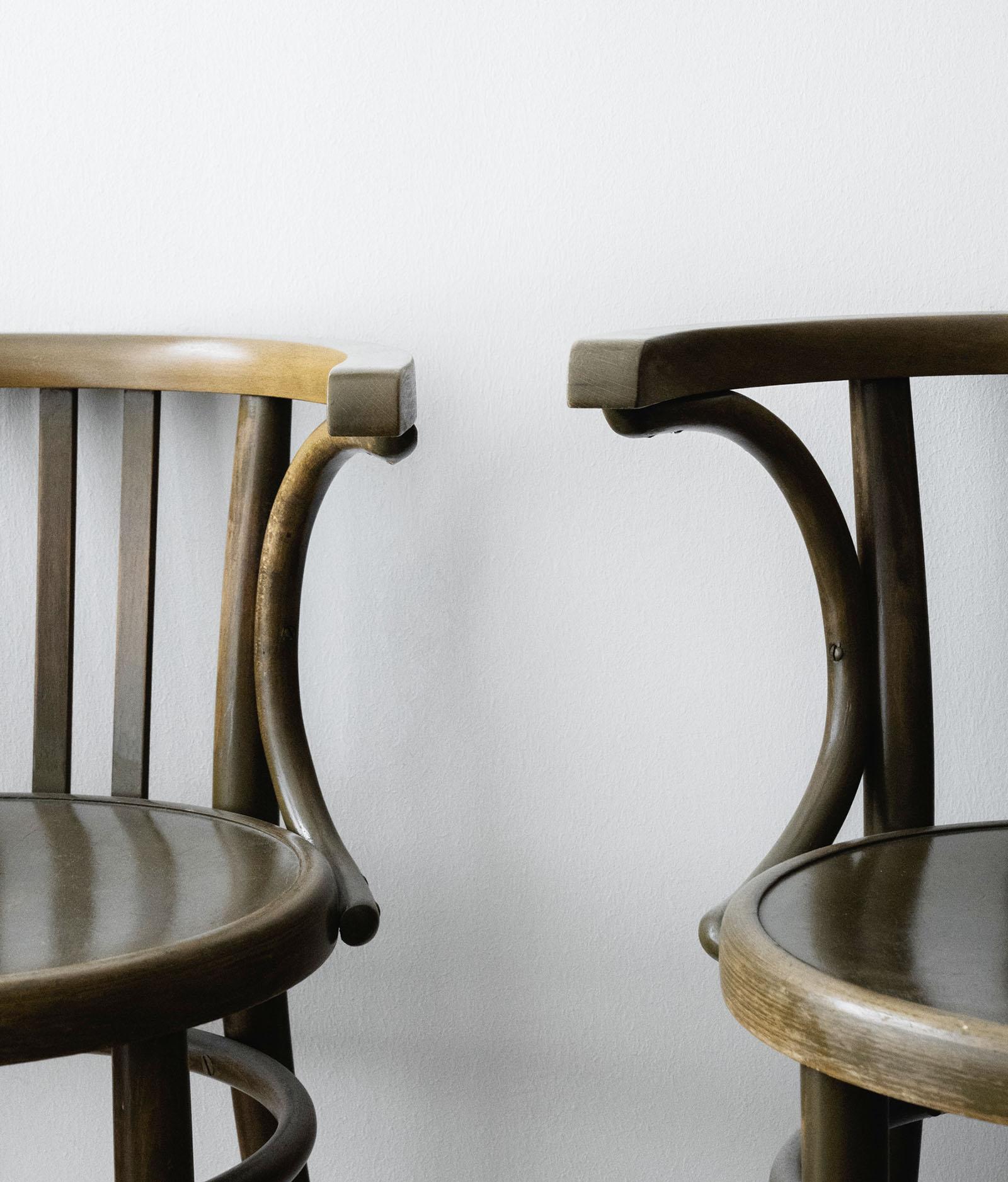 Anwaltskanzlei Lindner & Rock Wartebereich mit Stühlen
