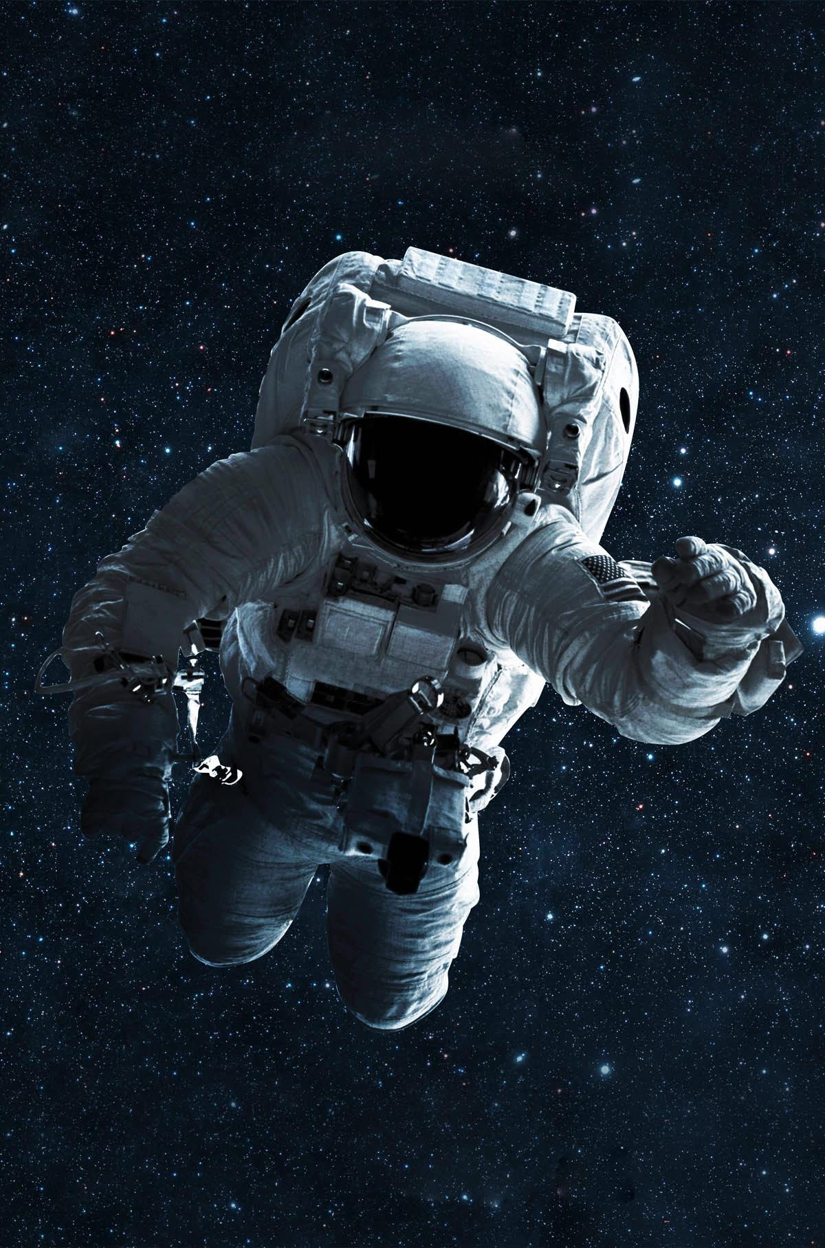 Astronaut im Weltall als Symbol für den Social Media Kosmos der TU Graz